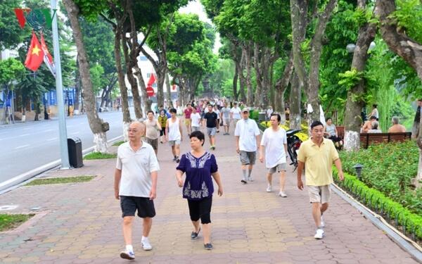 tác dụng đối với sức khỏe cuar việc đi bộ buổi sáng