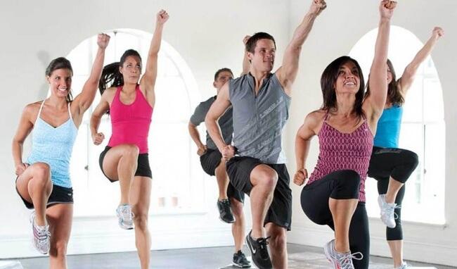 Aerobic là gì, có giảm cân không, nên tập Aerobic hay Gym tốt hơn? 1