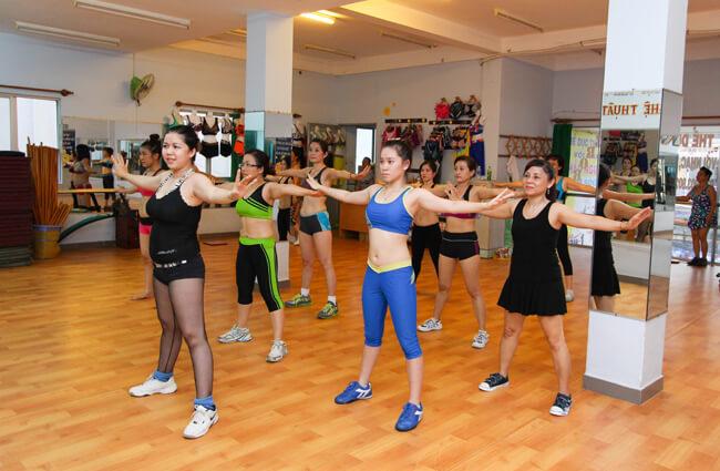 Aerobic là gì, có giảm cân không, nên tập Aerobic hay Gym tốt hơn? 2