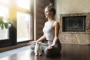 bài tập yoga cho mẹ sau sinh giảm cân