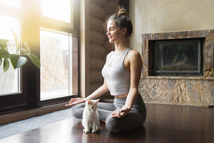 Bài tập Yoga nhẹ cho mẹ sau sinh giảm cân tại nhà