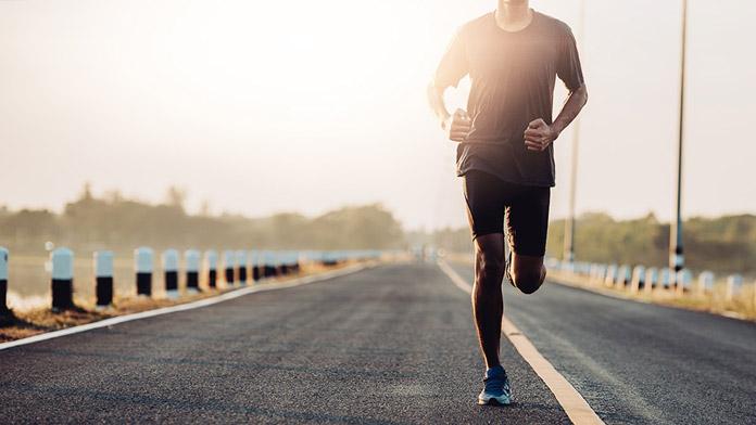 chạy bộ 1 tiếng tiêu hao bao nhiêu calo