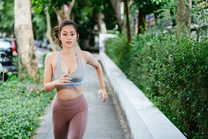 chạy bộ đúng cách để chân thon gọn
