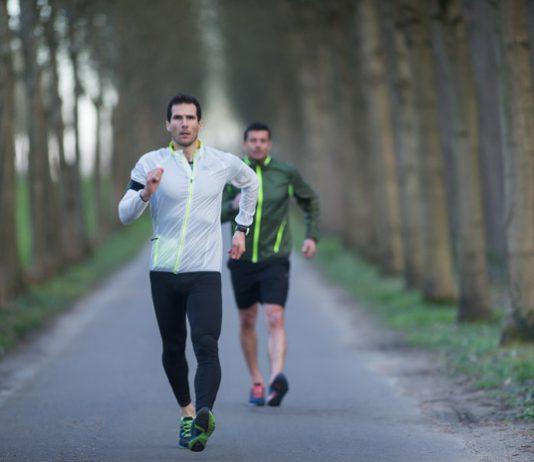 đi bộ hay chạy bộ cái nào tốt hơn